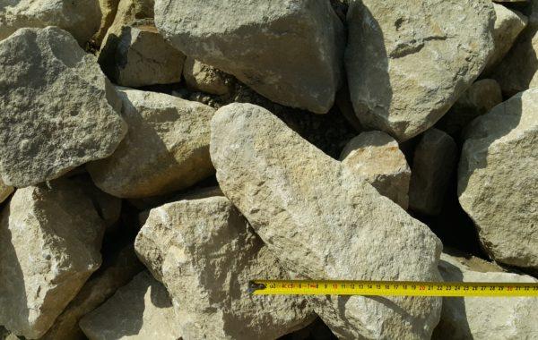 Kamień łamany murowy wybierany (dolomit)